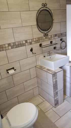 Guestfarm Room 2 Bathroom