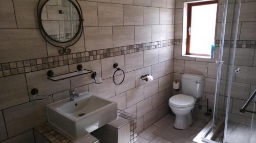 Guestfarm Room 3 Bathroom