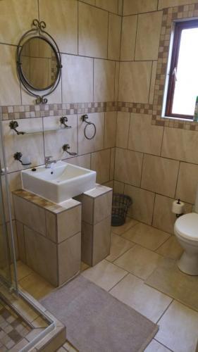 Guestfarm Room 8 Bathroom