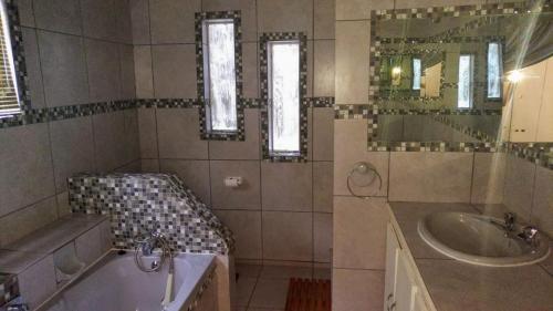 Guesthouse Room 4 Bathroom